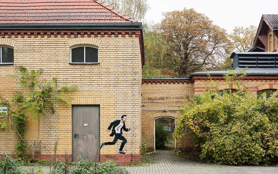 2-3 Lindenhof Schablonen Kunst Hauswand