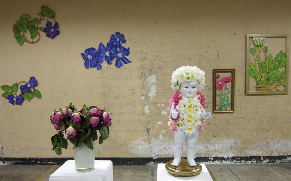 Tania Engelke Blumenfigur Installation